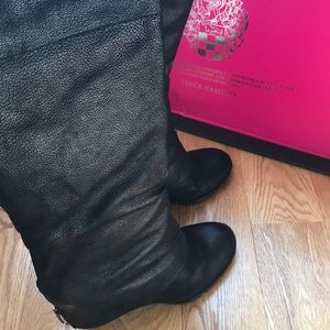 Vince Camuto 10 black leather boots like new